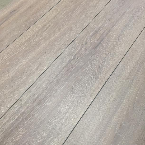 Platina grijs 8mm laminaat v groef for Tegel laminaat aanbieding