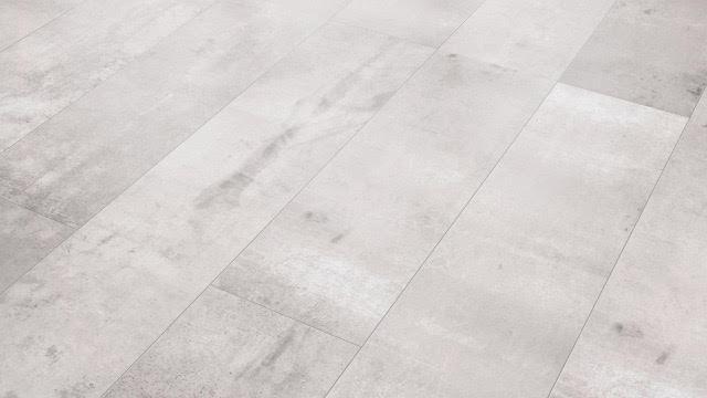 Grijs beton v groef mm plinten en ondervloer laminaatpark